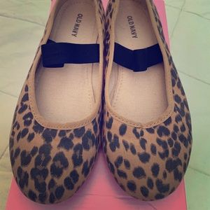 Leopard print mary jane shoes